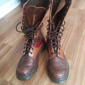 Dr Martens NIWA rare sz 8 39 boots women